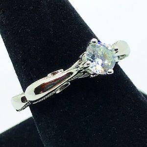 NWOT Sparkly Sterling White Zircon Fashion Ring
